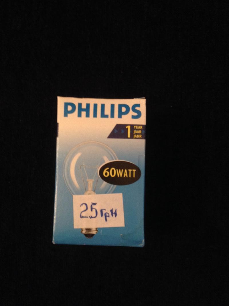 Philips 60W E14 стандарт прозрачная